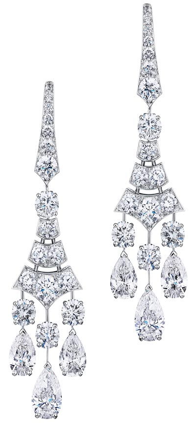 - <b>De Beers Phenomena Frost earrings</b> worn by Kate Winslet at the Première of the movie  Steve Jobs