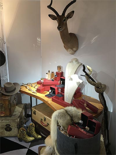 - Cartier -  Room Chasseuse Wild &Chic