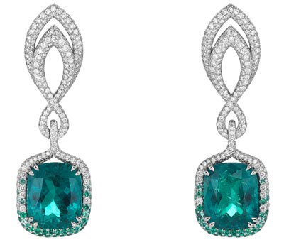 - <b>Earrings</b> in18ct white gold set withcushion-shaped emeralds (15.3cts), brilliant-cut diamonds (3cts) and brilliant-cut emeralds - <b>Ref.: 849864-1001</b>