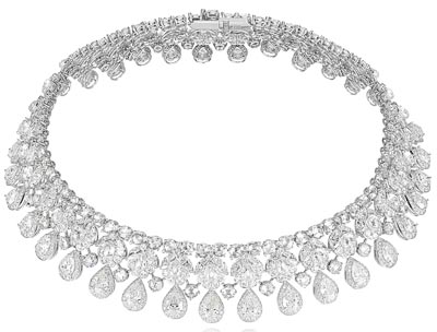 Necklace in18ct white gold set withpear-shaped (30cts) and fancy cut diamonds (126cts). Ref.: 819776-1001