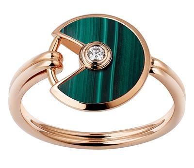 - <b>Amulette de Cartier Ring - </b> Extra-small Model - Pink gold, malachite, adiamond