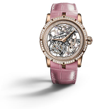 - <b>Roger Dubuis Excalibur Brocéliande Pink gold</b> - Case pink gold - Bezel set with 60 brilliant-cut diamonds approx. 1.09 cts - Crown set with 1 rose-cut diamond approx. 0.42 ct - Dial: Skeleton with Ivy ornaments set with 58 brilliant-cut diamonds approx. 0.15 cts - and white mother-of-pearl - Pink gold flange set with 157 brilliant-cut diamonds approx. 0.91 cts