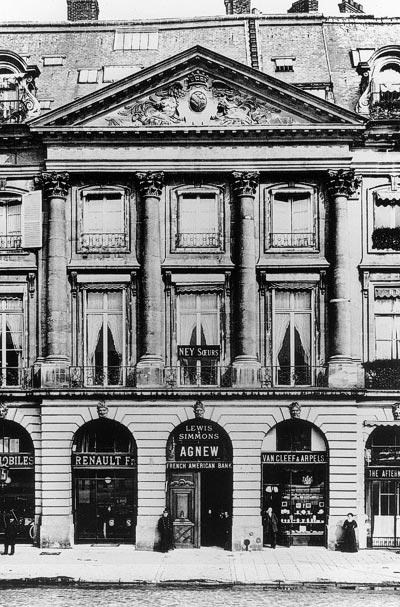 - Van Cleef &Arpels place Vendôme, around 1906 - Van Cleef &Arpels Archives - © Van Cleef &Arpels