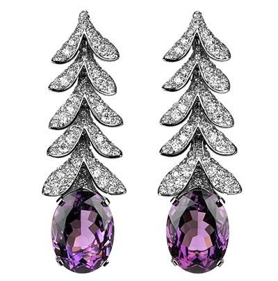 -  Boucheron Glycine earrings
