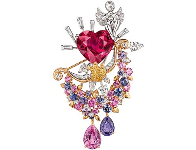 White gold, pink gold, yellow gold, diamonds, colored sapphires, apear-shaped orangy-pink sapphire of2.74 carats (Sri Lanka), apear-shaped violet sapphire of1.36 carats (Sri Lanka), aheart-shaped rubellite of12.04 carats.
