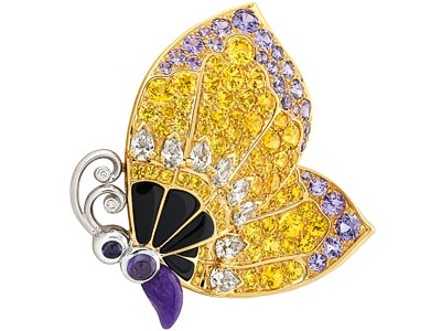 Pétale de Papillon clip – Yellow gold, white gold, diamonds, yellow and mauve sapphires, emeralds, spessartite and tsavorite garnets, onyx, sugilite. Transformable clip.