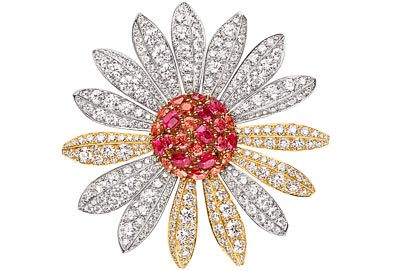 Marguerite d'Amour clip – Yellow gold, white gold, diamonds, orange and pink spinels.