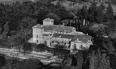 - Aerial view of La Colle Noire, Christian Dior's house in Montauroux (Var). <br>© Christian Dior.