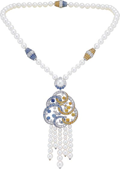 Benguerra long necklace: White gold, diamonds, blue and yellow sapphires, spessartite garnets, white cultured pearls. © Van Cleef &Arpels