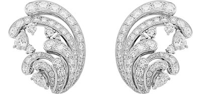Pangée earrings: White gold, round and pear-shaped diamonds. © Van Cleef &Arpels