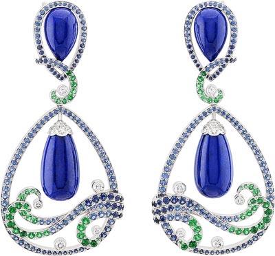 Vagues Lapis-lazuli earrings: Lapis lazuli, sapphires, emeralds, diamonds. © Van Cleef &Arpels