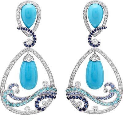 Vagues Turquoise earrings: Turquoise, sapphires, Paraíba-like tourmalines, diamonds. © Van Cleef &Arpels
