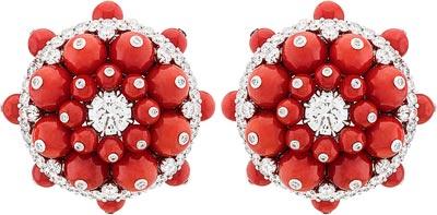 Coral and diamonds. © Van Cleef &Arpels