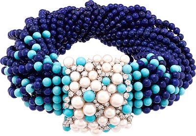 Rouleau Azur bracelet: White gold, diamonds, white cultured pearls, lapis lazuli and turquoise beads. © Van Cleef &Arpels