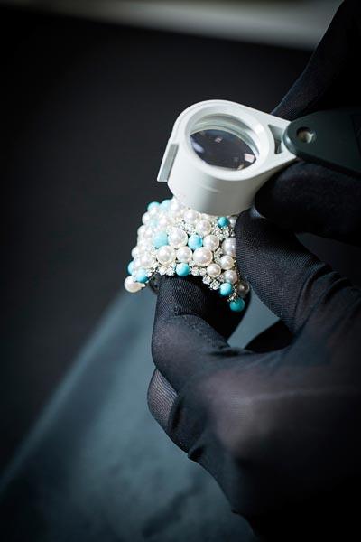 Savoir-faire: Rouleau Azur bracelet  - Quality control