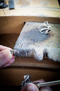 Savoir-faire: Sirène Mystérieuse clip - Jewelry work - open work