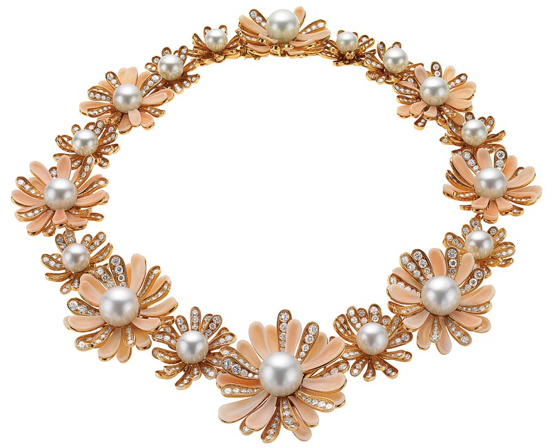 Bvlgari Collection Heritage: Necklace in gold with cultured pearls, coral and diamonds, 1969 - Ref.: MUS0236