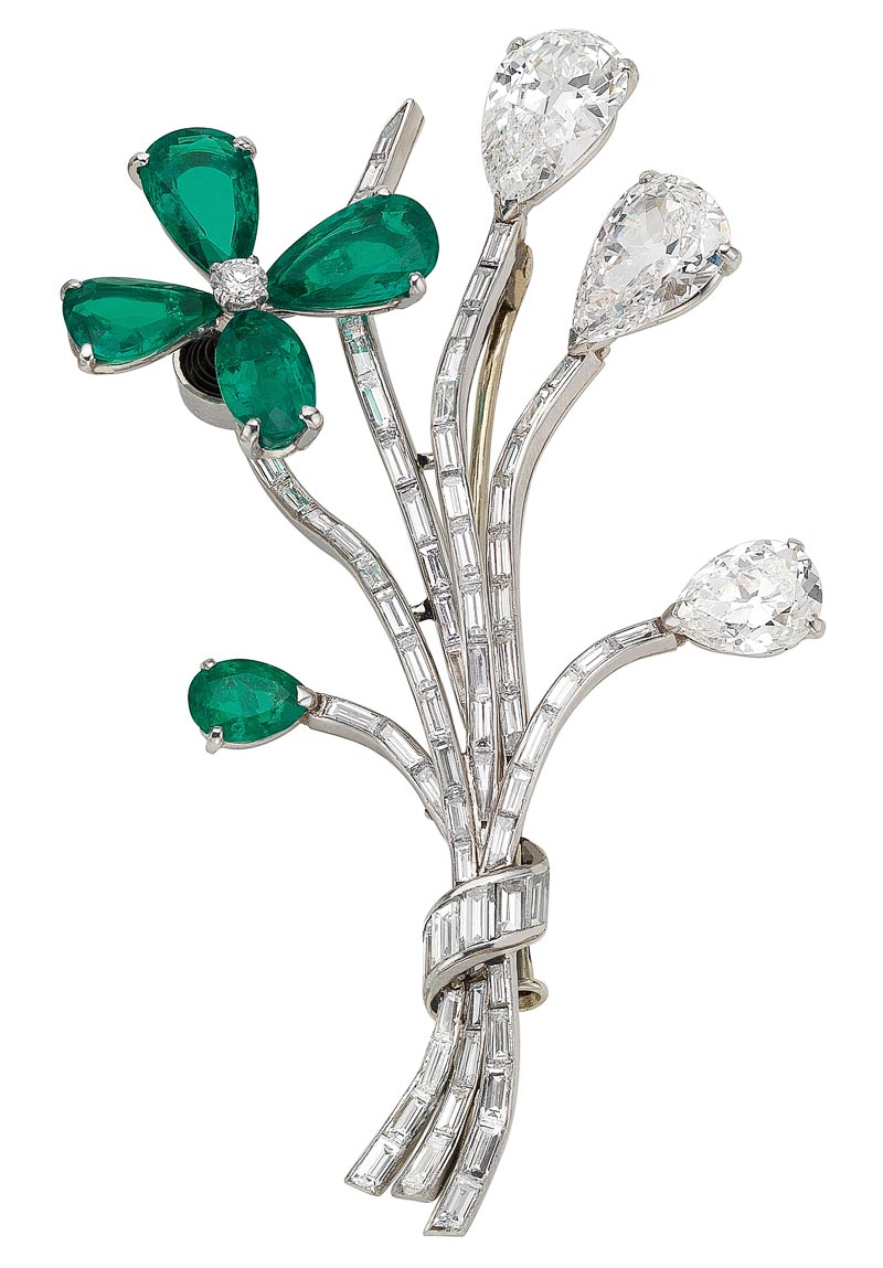 - <b>Bvlgari Heritage Collection:</b> <br>Tremblant brooch in platinum with emeralds and diamonds, ca. 1958 <br>Ref.: MUS0731