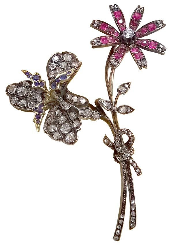 - <b>Bvlgari Heritage Collection:</b> <br>Brooch in silver with rubies, sapphires and diamonds, 1917 <br>Ref.: MUS1294