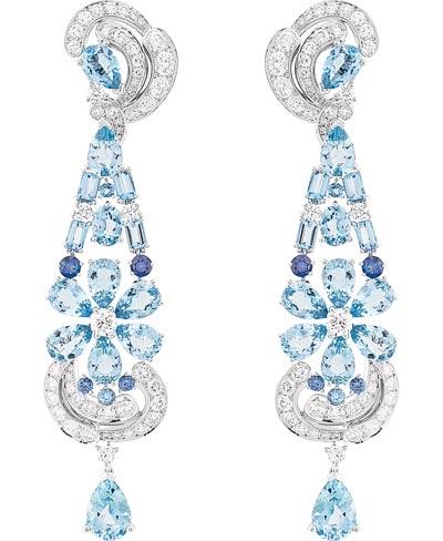 Lagune Précieuse earrings: Auamarines, sapphires, diamonds. © Van Cleef &Arpels