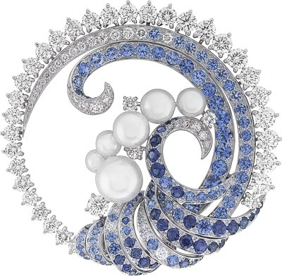 Mer de Vent clip: Sapphires, white cultured pearls, diamonds. © Van Cleef & Arpels