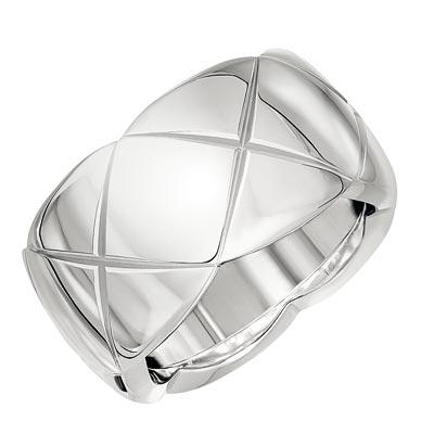 - <b>Coco Crush ring</b> in18k white gold. <br>Medium version. Ref.: J10575 • 2850 €