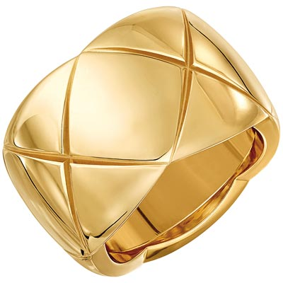 - <b>Coco Crush ring</b> in18k yellow gold. <br>Large version. Ref.: J10575 • 3250 €