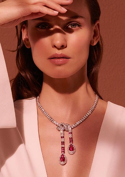 Garance necklace: Platinum, two cushion-shaped rubies fromMozambique, 5.27 carats and 5.02 carats respectively, twenty-six round and oval-shaped rubies fromBurma totalling 8.44 carats, brilliant-cut diamonds.