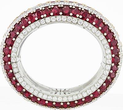 Van Cleef &Arpels Bracelet montre Rubis Secret  Or blanc, diamants, or rose, 115 rubis ovales totalisant 151,25 carats (origine: Mozambique), mouvement quartz