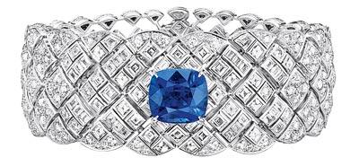 """""""Signature de Saphir"""" bracelet in18K white gold set witha 10-carat cushion-cut sapphire, 42 square-cut diamonds for atotal weight of3.2 carats, 24 baguette-cut diamonds for atotal weight of1.4 carat and 582 brilliant-cut diamonds for atotal weight of10.6 carats. """"Signature de  Chanel"""" Collection"""