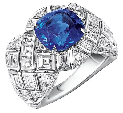 """Signature de Saphir"" ring in 18K white gold set with a 5-carat cushion-cut sapphire, 18 square-cut diamonds for a total weight of 2 carats and 56 brilliant-cut diamonds for a total weight of 1.1 carat. ""Signature de  Chanel"" Collection"