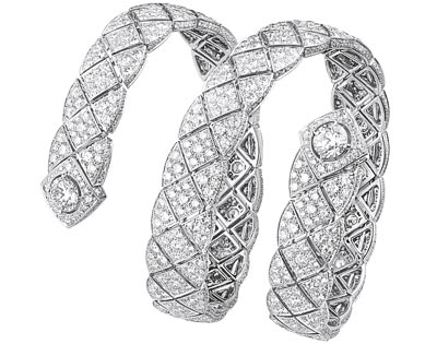 """Signature Duo"" bracelet in18K white gold set with2 brilliant-cut diamonds ""Signature de  Chanel"" Collection"