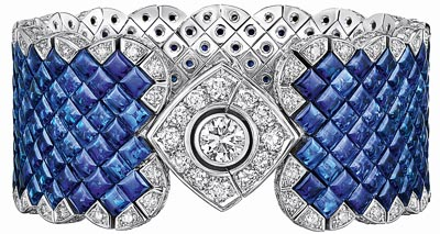 """""""Signature Ultime"""" bracelet in18K white gold set witha 1-carat brilliant-cut diamond, 265 square-cut sapphires for atotal weight of66 carats and 221 brilliant-cut diamonds for atotal weight of7.7 carats. """"Signature de  Chanel"""" Collection"""