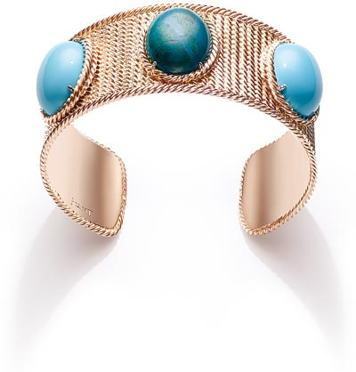 Extremely Piaget bangle «Décor Torsade» in18K pink gold set with2 turquoises (approx. 23.2 cts) and 1 chrysocolla (approx. 12.5 cts). Ref.:G36M3200