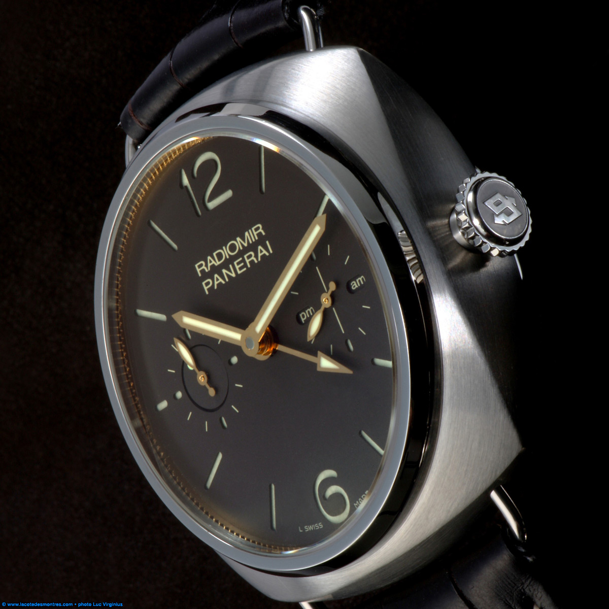 La Cote des Montres : Photo - Panerai Radiomir Tourbillon GMT Titane