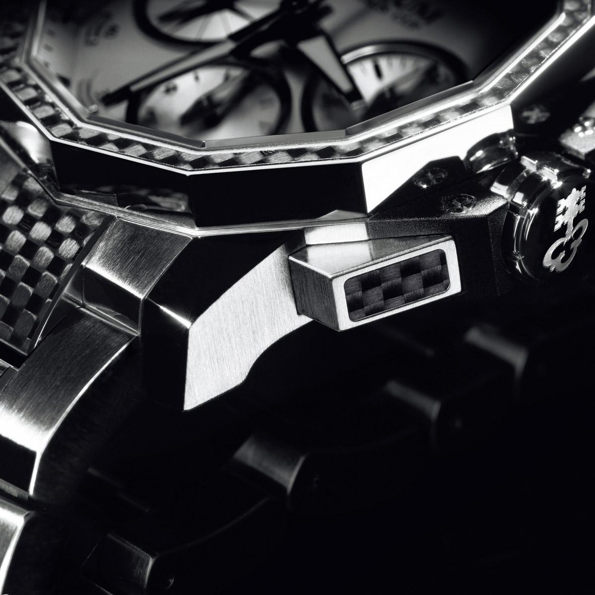 La Cote des Montres : Photo - Corum, Unlock