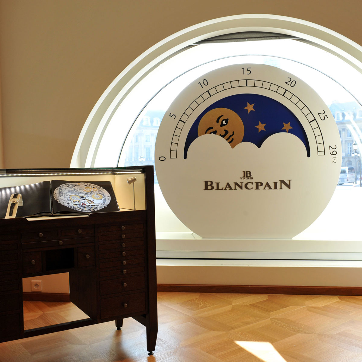 La Cote des Montres : Photo - Exposition unique Blancpain Place Vendôme