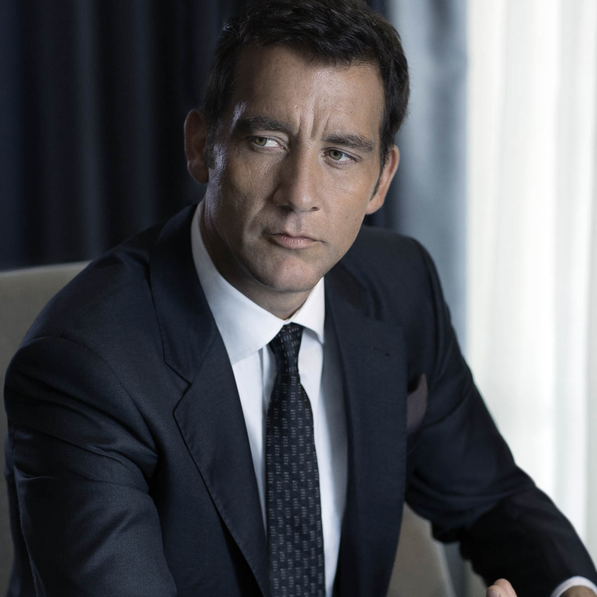 The Watch Quote: Photo - Clive Owen presents Jaeger-LeCoultre's fine watchmaking Duomètre collection