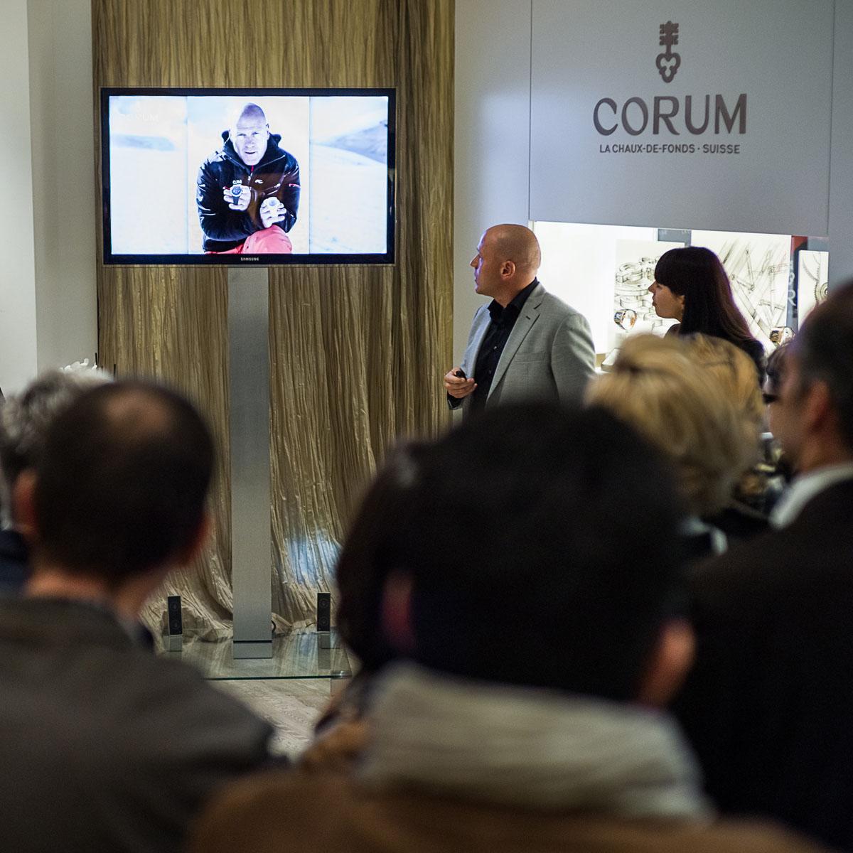 La Cote des Montres : Photo - Didier Cuche présente sa collection à la Boutique Corum de Genève