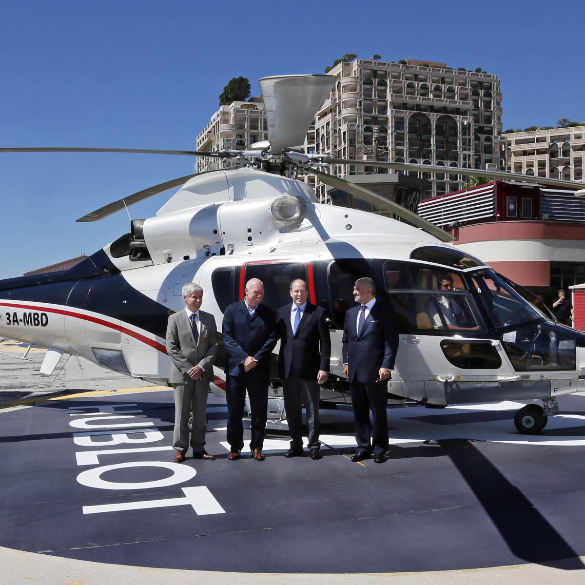 La Cote des Montres : Photo - Le H de Hublot sur les pistes d'hélicoptère à Monaco