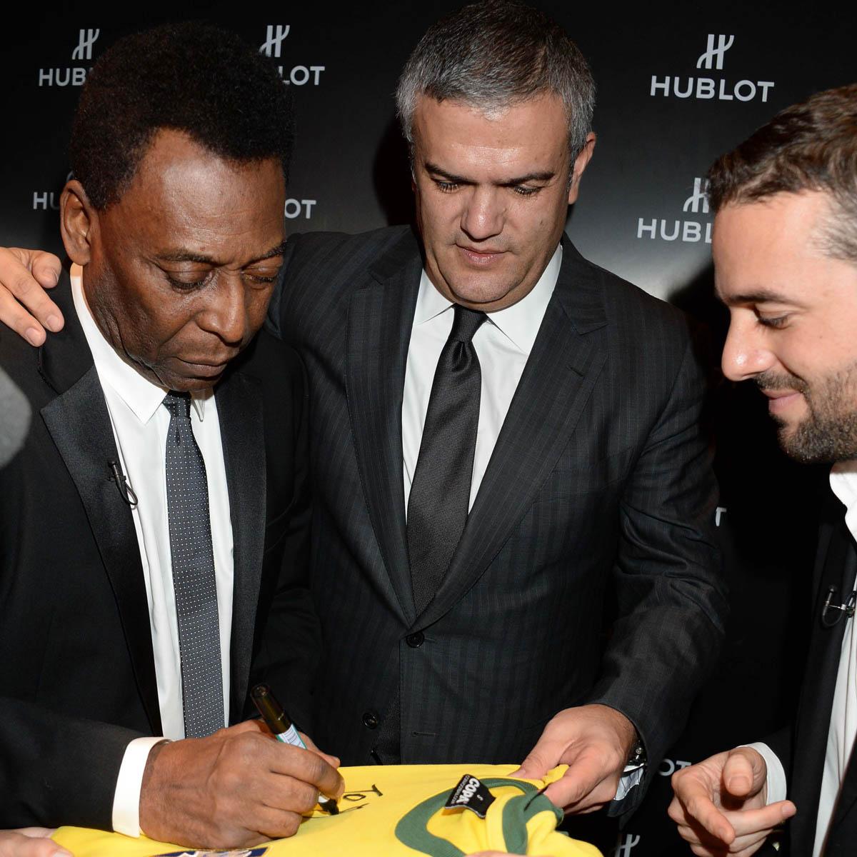 La Cote des Montres : Photo - Football : le roi Pelé choisit Hublot