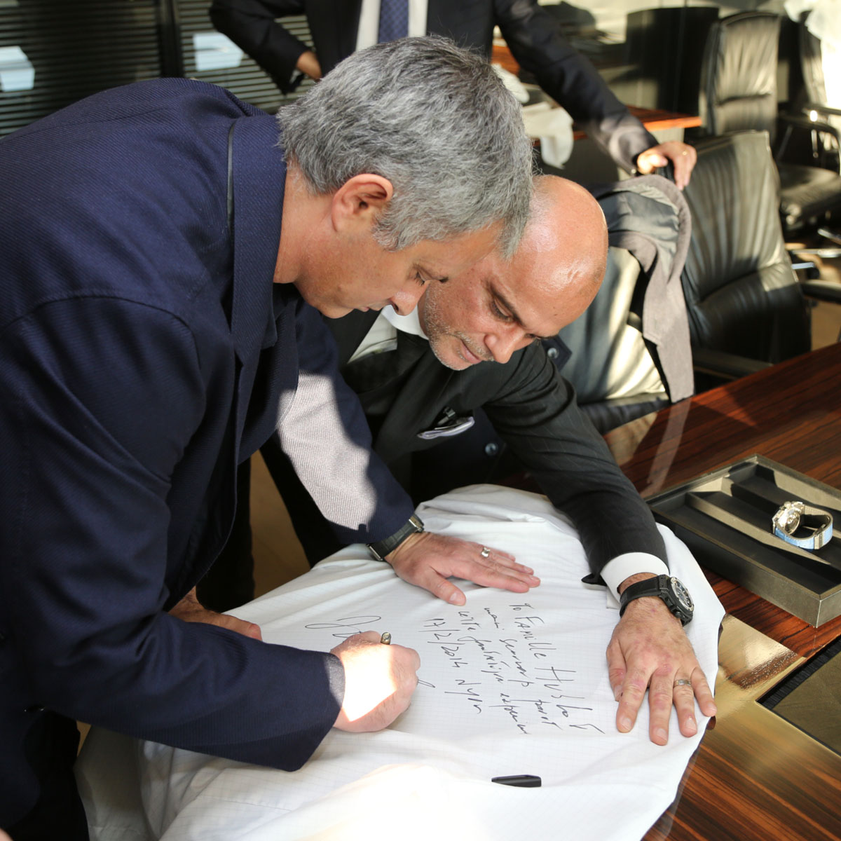 La Cote des Montres : Photo - Football : José Mourinho « The Special One » choisit Hublot