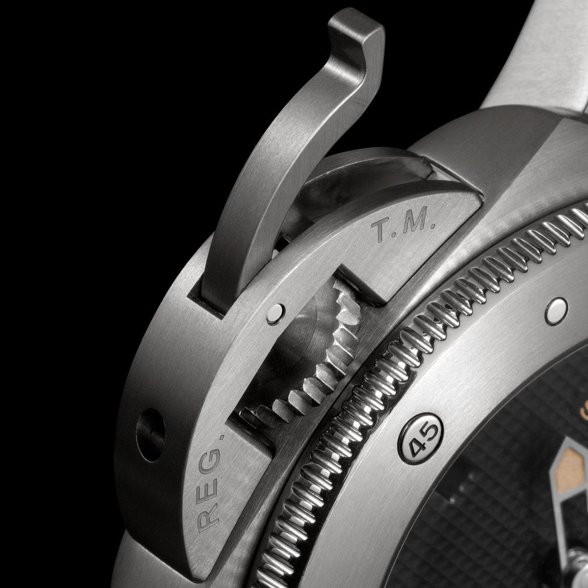 La Cote des Montres : Photo - Panerai Luminor Submersible 1950 Left-Handed 3 Days Automatic Titanium - 47mm