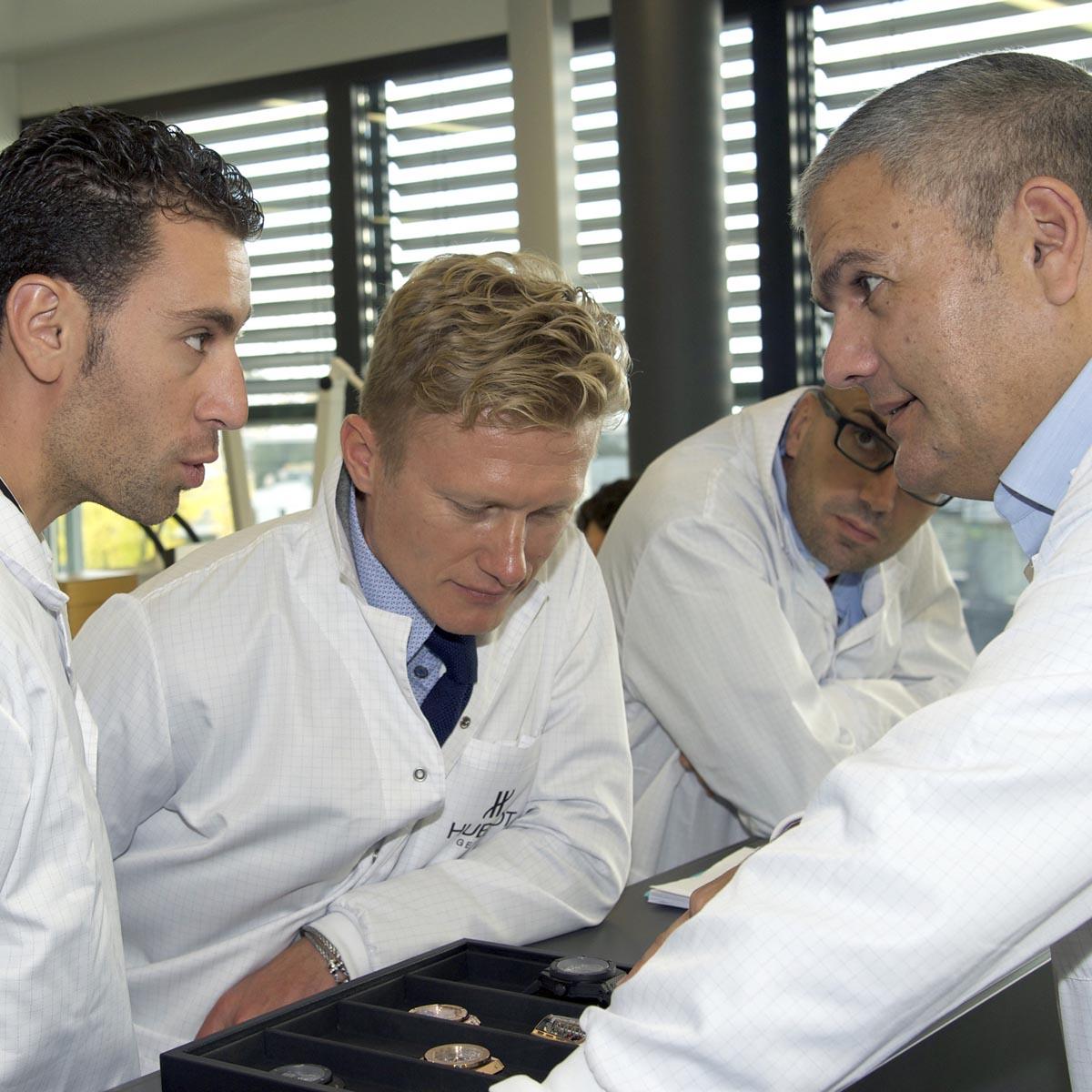 La Cote des Montres : Photo - Vicenzo Nibali, dernier vainqueur du Tour  de France, visite la manufacture Hublot