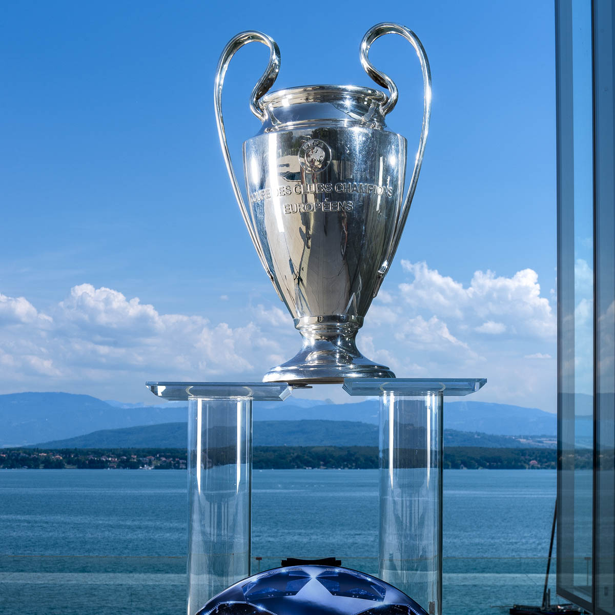 La Cote des Montres : Photo - Hublot est la montre partenaire officielle de l'UEFA Champions League et de l'UEFA Europa League