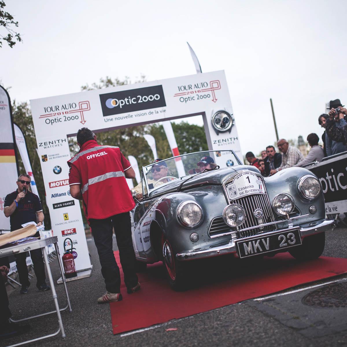 La Cote des Montres : Photo - Zenith Tour Auto Optic 2ooo - 2e étape - Beaune/Lyon - 20 avril
