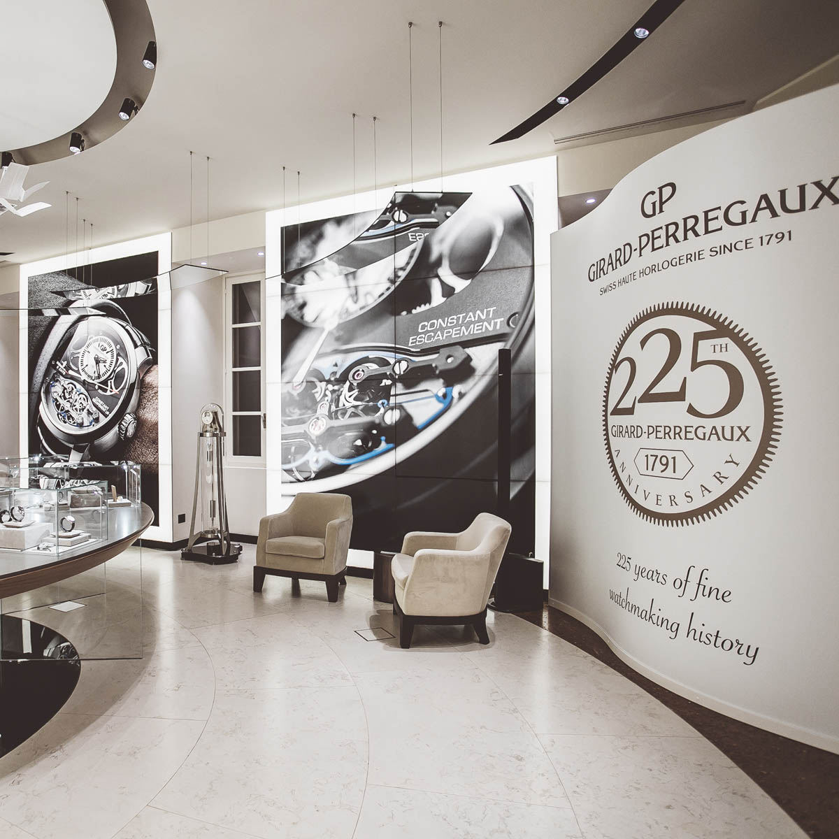 The Watch Quote: Photo - Girard-Perregaux envelops the prestigious PISA store of Milan