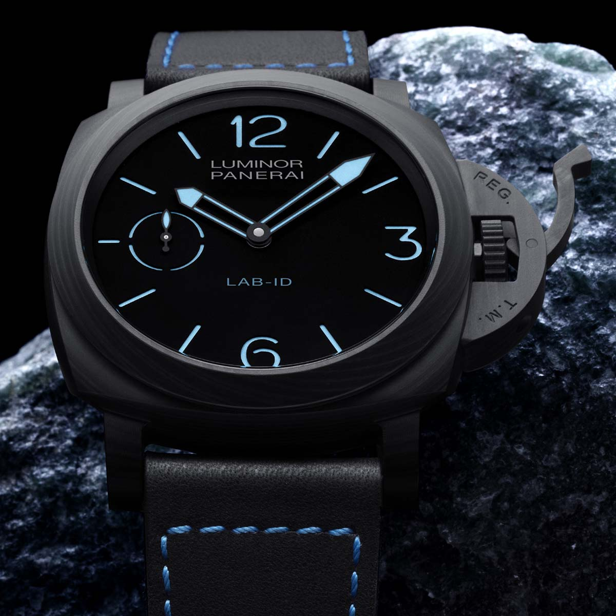 La Cote des Montres : Photo - Panerai LAB-ID™ Luminor 1950 Carbotech™ 3 Days – 49mm
