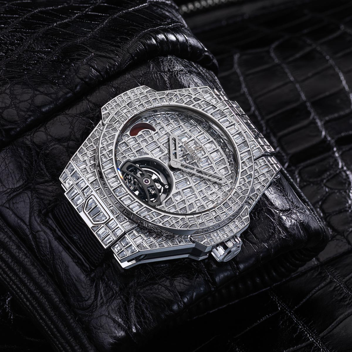La Cote des Montres : Photo - Hublot Big Bang Tourbillon Croco High Jewellery