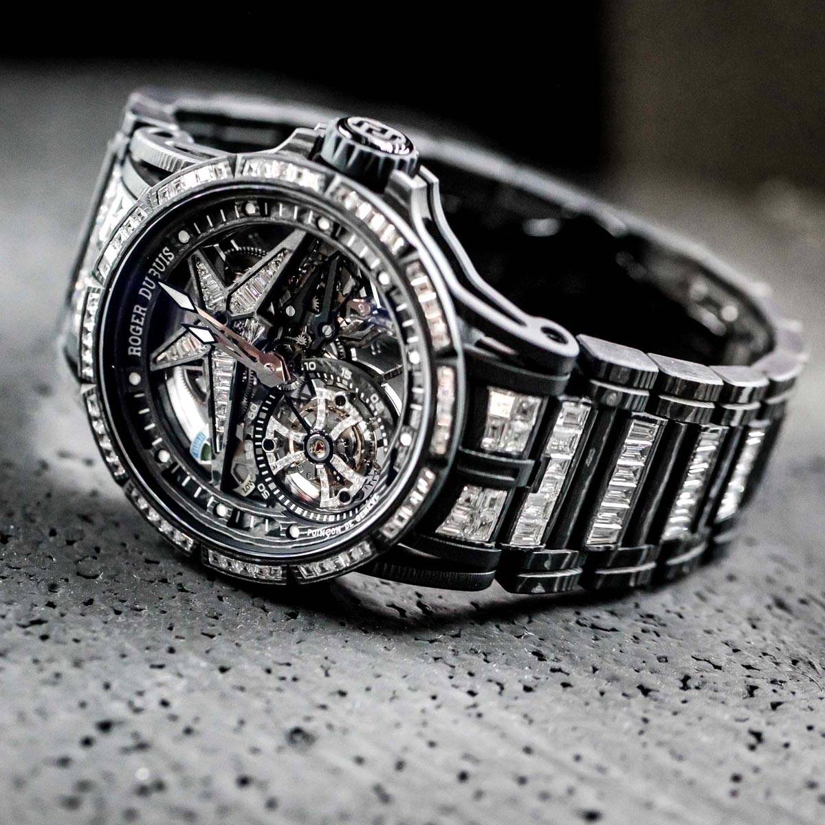 La Cote des Montres : Photo - Roger Dubuis - Mad But Swiss à Macao